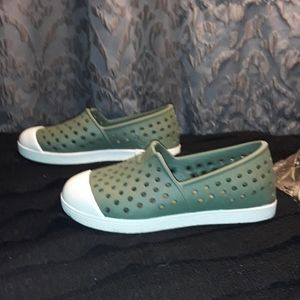 Youth Old Navy slip ons